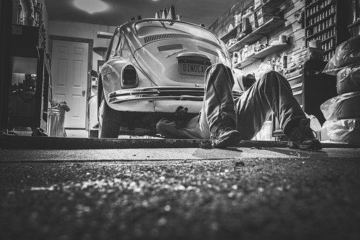 Serwisowanie samochodu – jak znaleźć dobrego mechanika
